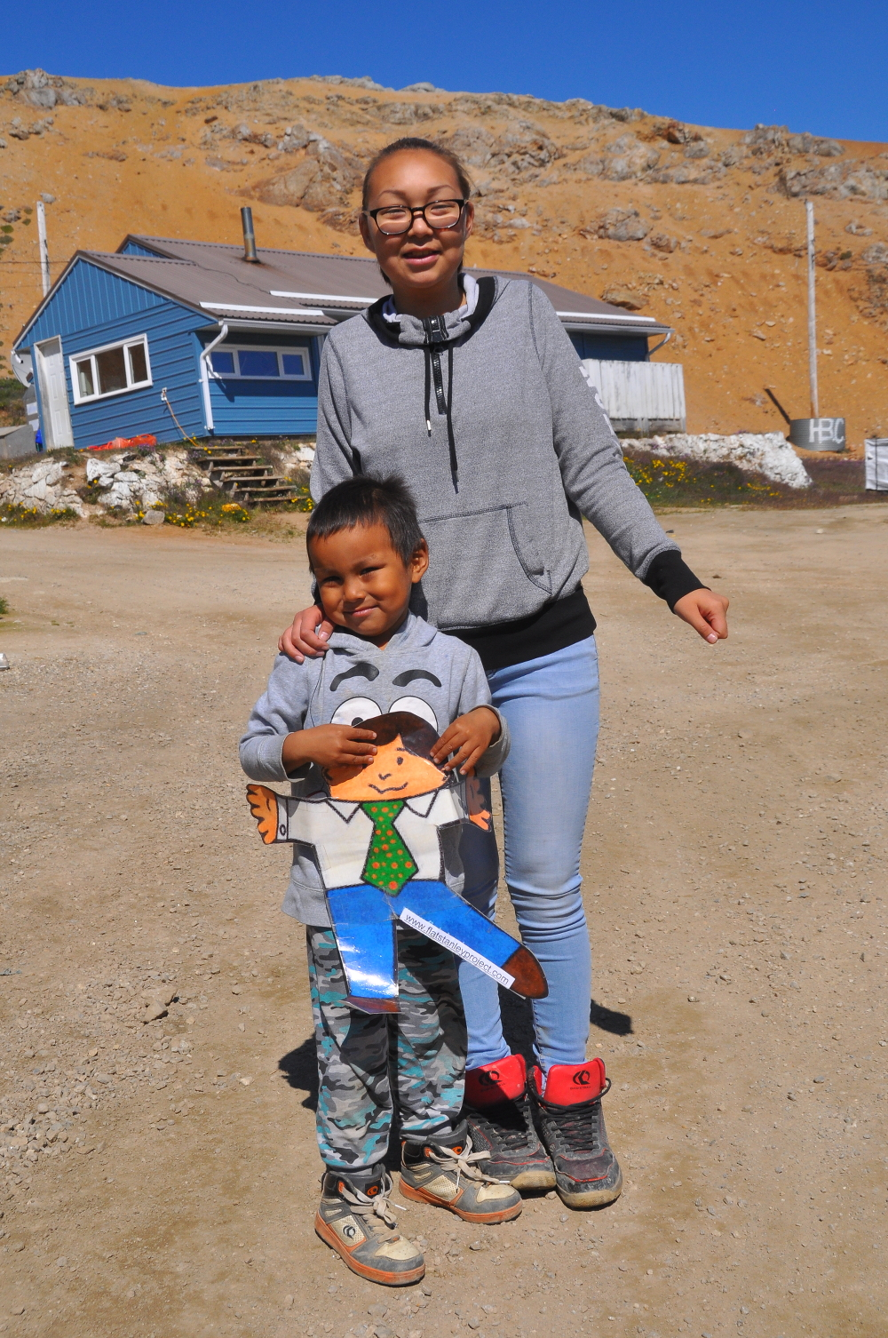 FS with Inuit child and mom